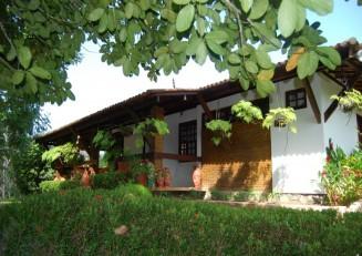 Encontro das Águas lakefront house for sale