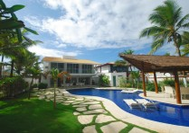 Beachfront house Vilas do Atlantico Bahia