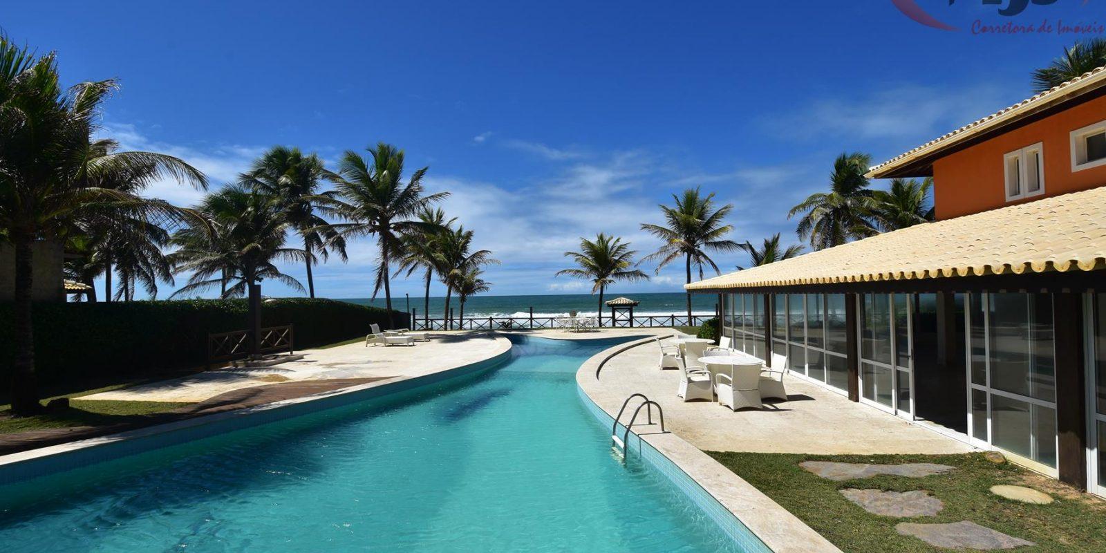 Luxury beachfront at Busca Vida